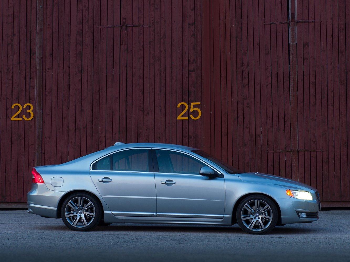 Volvo S80 (Вольво S80) 2020 - обзор модели c фото и видео