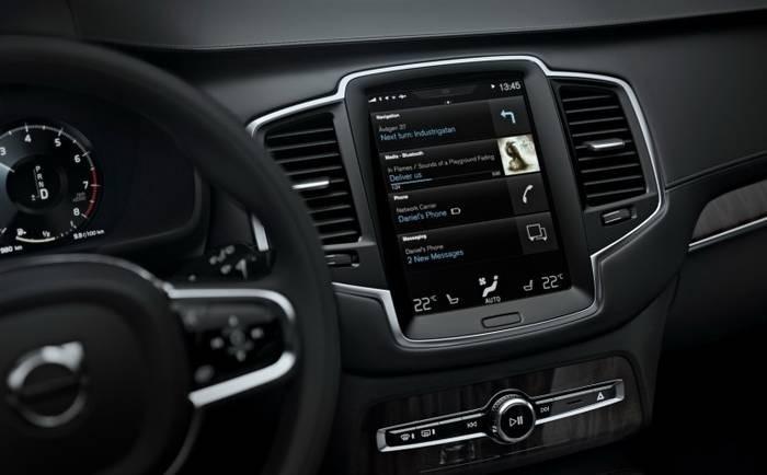 Что представляет собой Android Auto от Google. Даешь сервисы смартфонов в автомобиль!   штатная автомагнитола программы для Андроид Навигация Навигационная программа Автомобильная навигация автомагнитола на ОС Андроид Автомагнитола на Android Автомагнитола автогаджеты Volvo Spotify Open Automotive Alliance (OAA) NVIDIA Microsoft Honda и Hyundai google General Motors CarPlay от Apple Beats Music и MLB.TV Audi Android L Android Auto android
