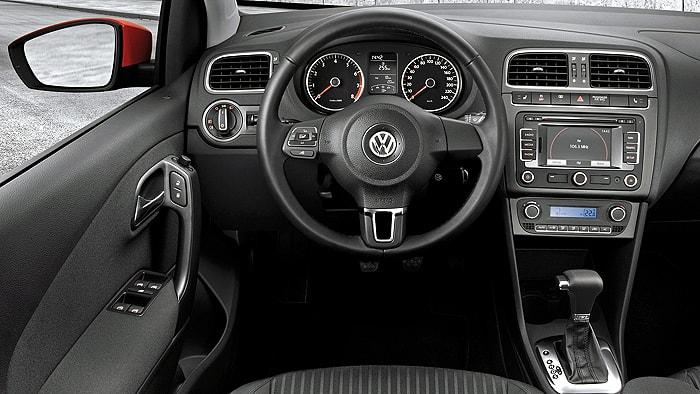 Приборная панель Volkswagen Polo